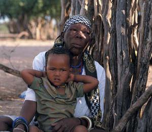 Nei campi di reinsediamento governativi dilagano malattie come l'HIV e l'AIDS.