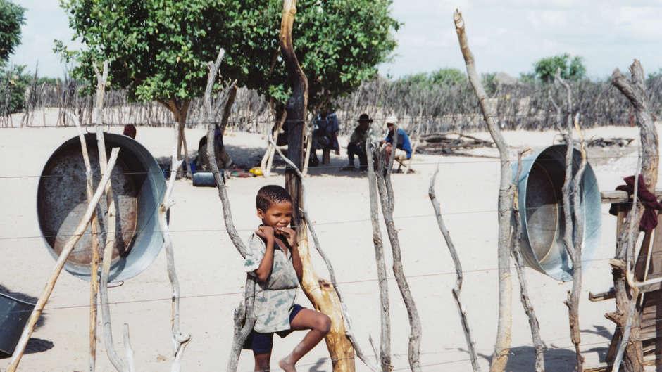 Twenty years on from 1997 Kalahari evictions, and Botswana government still failing to respect Bushmen rights