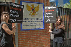 Protestors in Spain demanded Indonesia 'Stop the torture' and 'Stop the arrests' of Papuans.