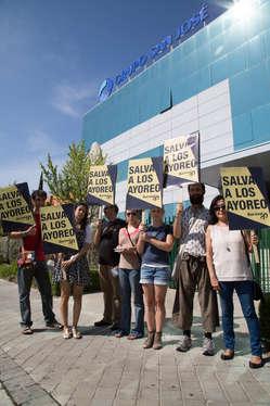 Protesta por los ayoreos ante la sede central de Grupo San José en Madrid. Junio de 2015.