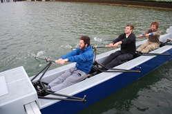 Dylan White, Nigel Roedde und Zach Scher (l. nach r.) trainieren seit Monaten, um den Weltrekord zu brechen.