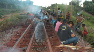 Amazon tribe blockade railroad in protest against Brazilian mining giant