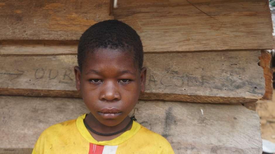 """Internationale Organisation nimmt Survivals Beschwerde wegen Misshandlung der """"Pygmäen""""an"""
