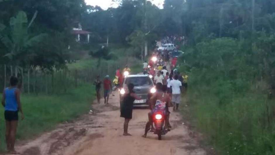 Rancher attackieren indigene Gemeinde, nachdem diese ihr Land wiederbesetzt hatte.