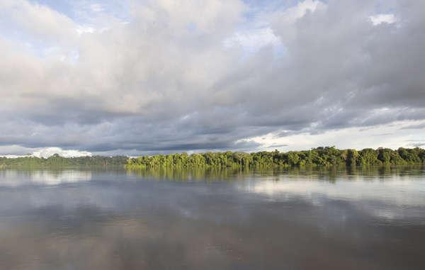 Der Xingu-Fluss, an welchem der Belo Monte Damm errichtet werden wird, Pará, Brasilien.