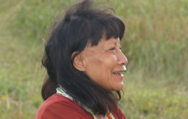 A contacted Murunahua woman living close to the uncontacted tribe&apos;s reserve.