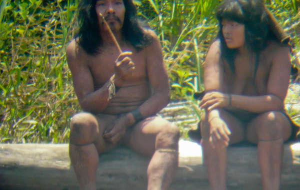 Ongecontacteerde Mascho-Piro-indianen in Peru.