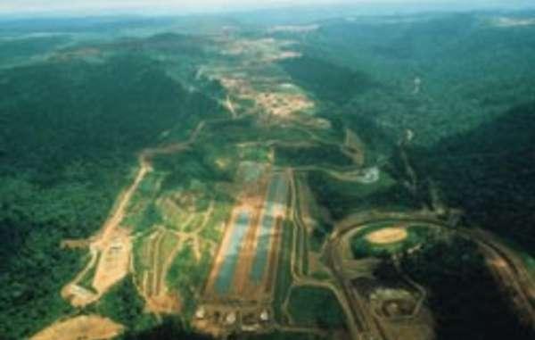 La mine et la voie de chemin de fer de Carajás ont donné le départ à l'invasion du territoire awá