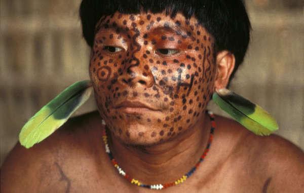 Yanomami-Indianer sind über den illegalen Goldabbau auf ihrem Gebiet sehr besorgt.