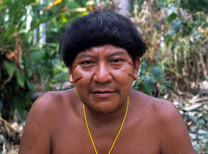Yanomami shaman and spokesperson Davi Kopenawa, who has led the struggle for the protection of their land, has received a series of death threats by armed men.