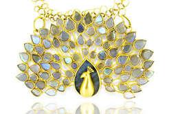 Pfauen Halskette von Pippa Small, Teil des neuen Angebots bei Astley Clarke