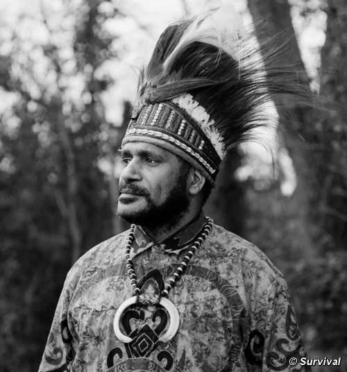 Angry Papuan Leaders Demand Jared Diamond Apologizes