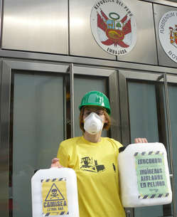 Weltweit machten Unterstützer von Survival heute auf die Bedrohungen des Camisea-Gasprojektes für unkontaktierte Völker aufmerksam.