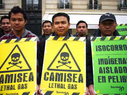 In Paris the Jummas from Bangladesh showed their solidarity with Peru's uncontacted tribes.