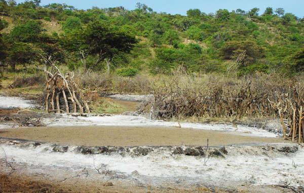 Case masai ridotte in cenere nel luglio 2009 © Survival