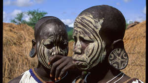 Mursi-etiopia-160-mt_300_wide