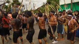 Guerreiros-yanomami-dan-am-na-manifes-ta-o-na-fuani-contra-os-invasores_300_wide