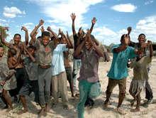Victoire pour les Bushmen du Kalahari : un tribunal leur rend le droit à l'eau