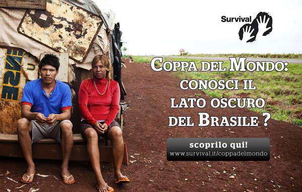 L'home page del sito di Survival invita a scoprire il 'Lato oscuro del Brasile'. I due giovani sono una coppia Guarani-Kaiowa e vivono accampati sul ciglio di una strada nei pressi di Dourados.