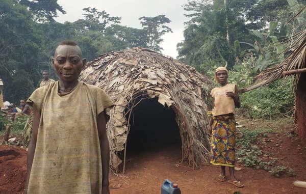 Ohne Zugang zu ihrem angestammten Land hat sich die Gesundheit der Baka gravierend verschlechtert und ihnen droht eine unsichere Zukunft.