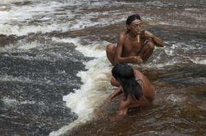 Dopo essere stati contattati con la forza, tribù brasiliane come gli Zo'è hanno sofferto terribilmente.