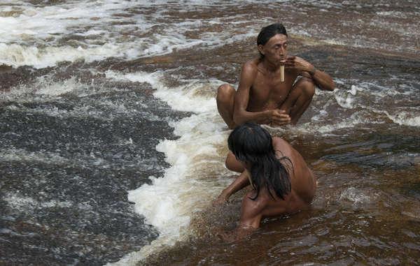 Los zo'és fueron contactados a la fuerza por misioneros evangelistas en 1987 con devastadoras consecuencias.