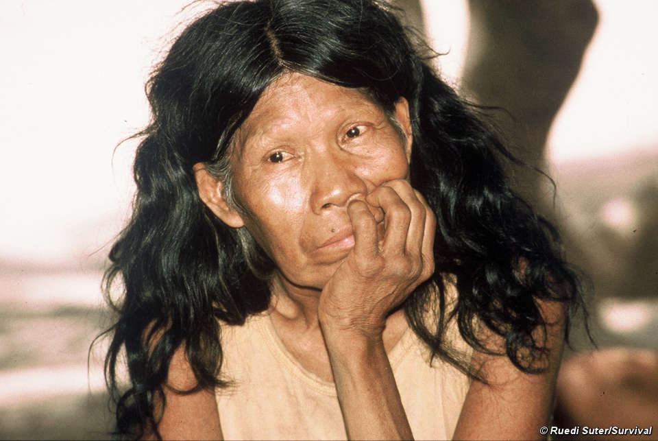 Una mujer totobiegosode después de que la obligaran a abandonar el bosque, en el Chaco paraguayo.