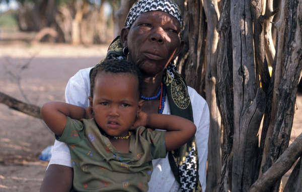 Les camps de relocalisation du gouvernement sont mal approvisionnés, et les maladies telles que le VIH/Sida, monnaie courante.