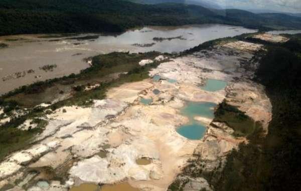 La minería ilegal ha arrasado las tierras de indígenas amazónicos de Venezuela.