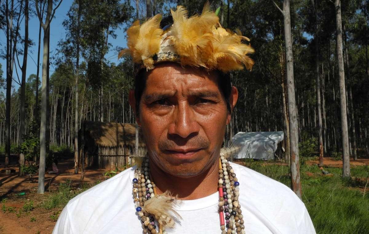Die Gemeinde von Guarani-Anführer Lide wurde von Bewaffneten, die von Farmern beauftragt wurden, brutal überfallen.