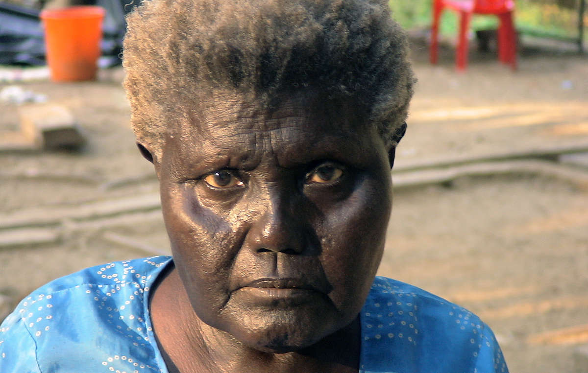 Boa Sr, the last speaker of one of the Great Andamanese languages. She died in January 2010.