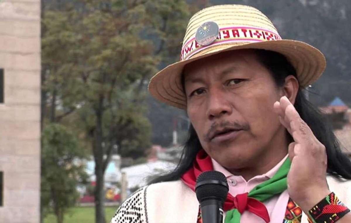 Feliciano Valencia, un Indien nasa du Cauca, est une figure du mouvement pour les droits des peuples indigènes de Colombie.