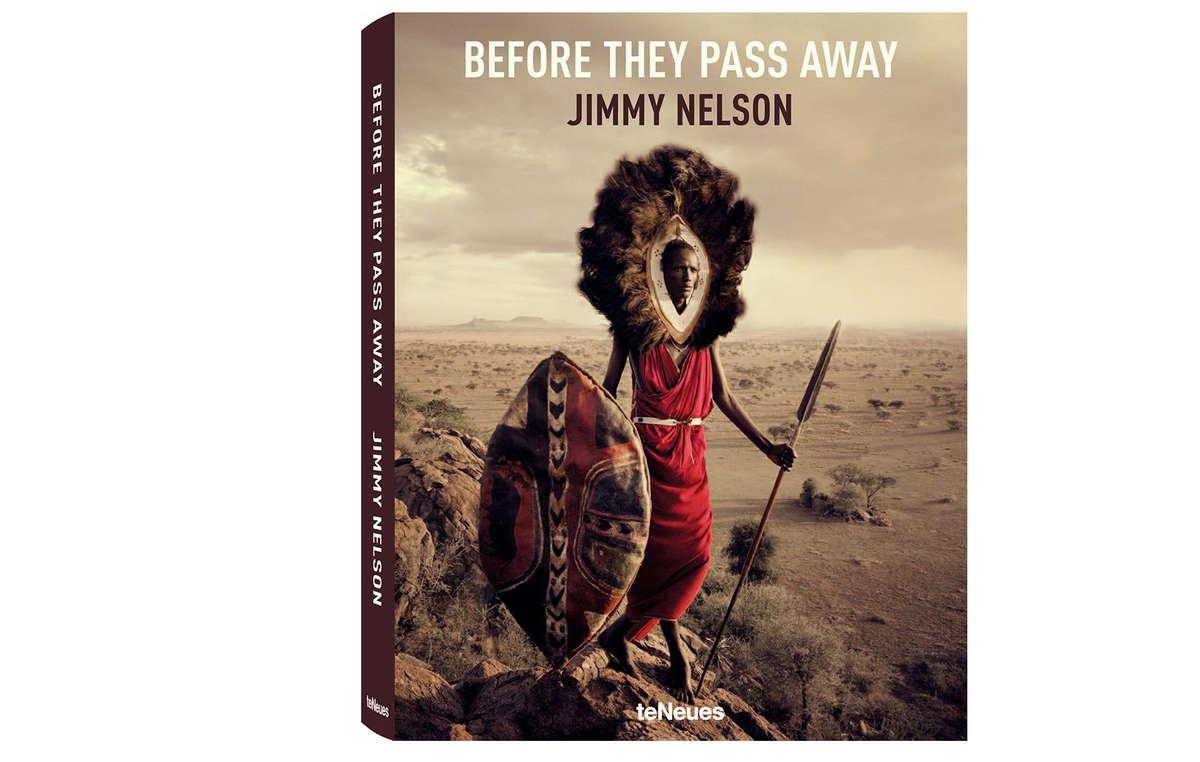 """Der kontroverse Bildband """"Before they pass away"""" des Fotografen Jimmy Nelson wird von Angehörigen indigener Völker weltweit kritisiert."""