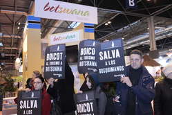 Appel au boycott du tourisme au Botswana lors du salon international du tourisme à Madrid.