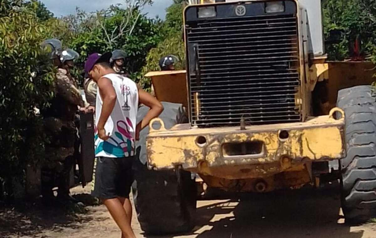 Gli Indiani Pataxó sono stati sfrattati dalla loro terra e gettati sul ciglio di una strada.