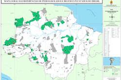 Karte von FUNAI. Die dunkelgrünen Stellen zeigen die Aufenthaltsorte unkontaktierter Völker.