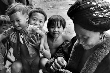 Yao woman and children, Thai-Laos border, 1974.