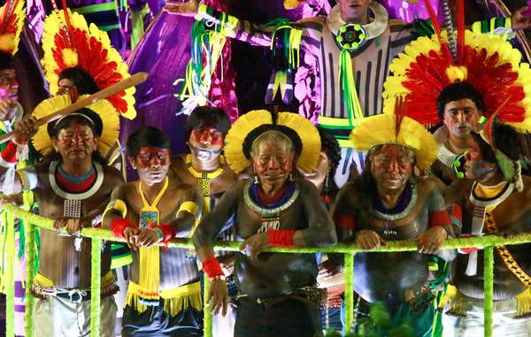 Raoni Kayapó and other indigenous leaders parade and protest at Rio Carnival