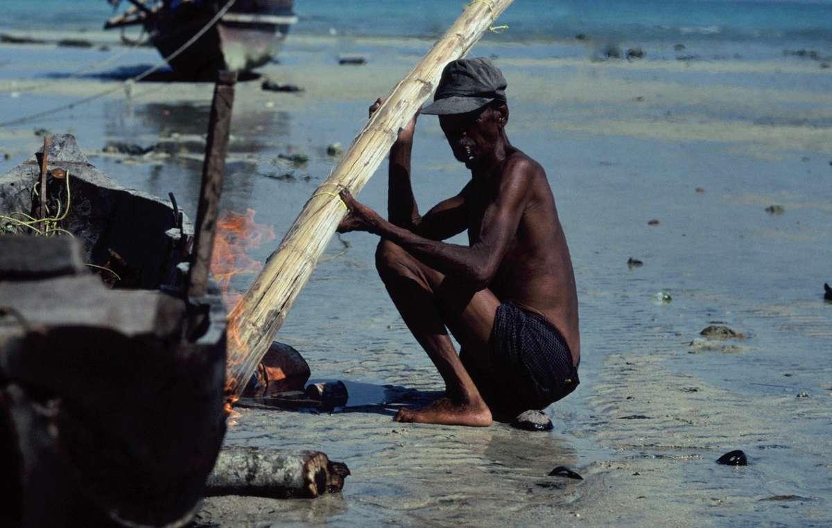 Ein Moken-Fischer auf Lampi Island, Myanmar.