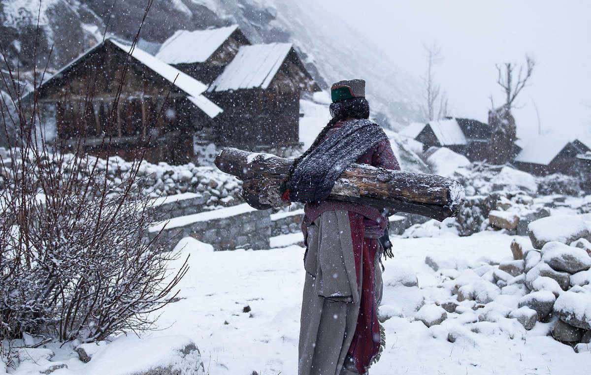 Eines der ausgewählten Fotos zeigt einen Kinnuara-Mann in Indien. Aufnahme von Mattia Passarini.