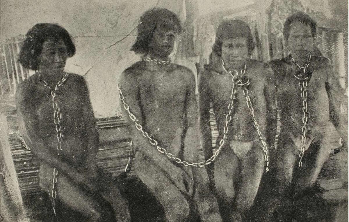 Milhares de índios foram escravizados e dizimados durante o boom da borracha.