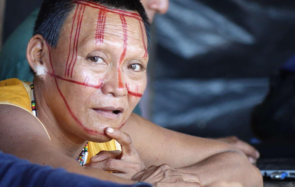 Mujer nukak, Colombia, 2017. Más de la mitad del pueblo indígena nukak murió tras el primer contacto por enfermedades y por la violencia brutal que sufrieron a manos de los invasores que les robaron sus tierras.