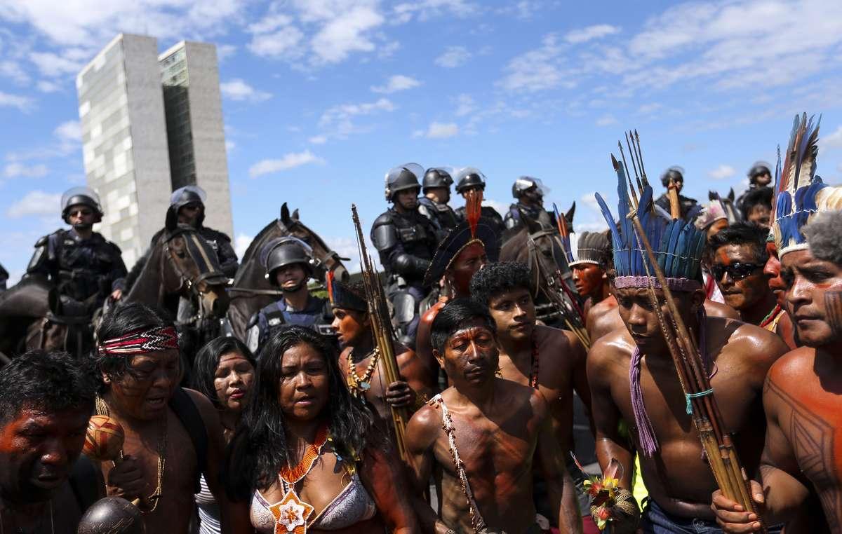 Indígenas de todo Brasil se han manifestado en la capital para exigir que se respeten sus derechos territoriales.