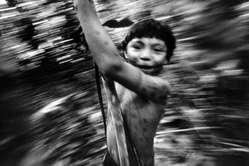 Ragazzino Yanomami, Brasile.