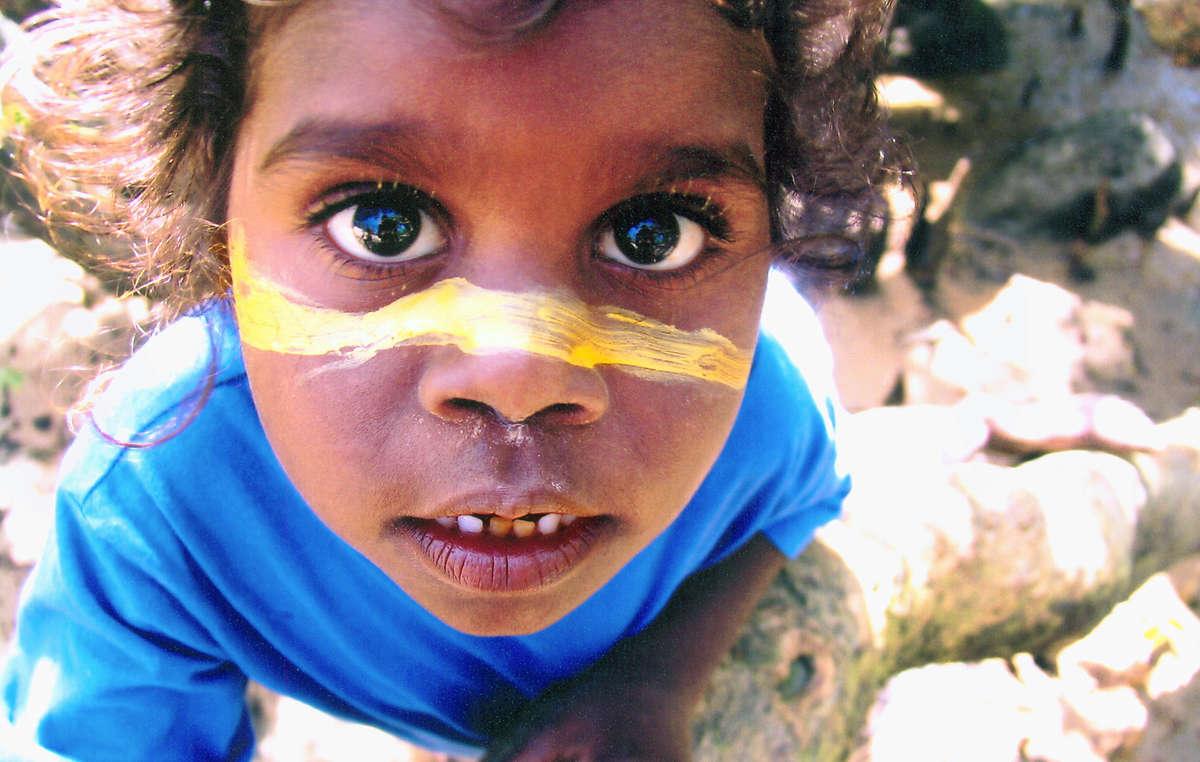 Un enfant autochtone, Australie.