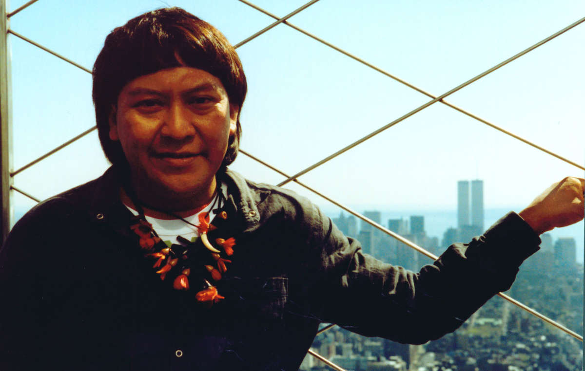 Davi on the Empire State Building in New York. Survival organized Davi's first trip to the USA, when he met the UN Secretary General and others to raise awareness of his people's struggle. 1991