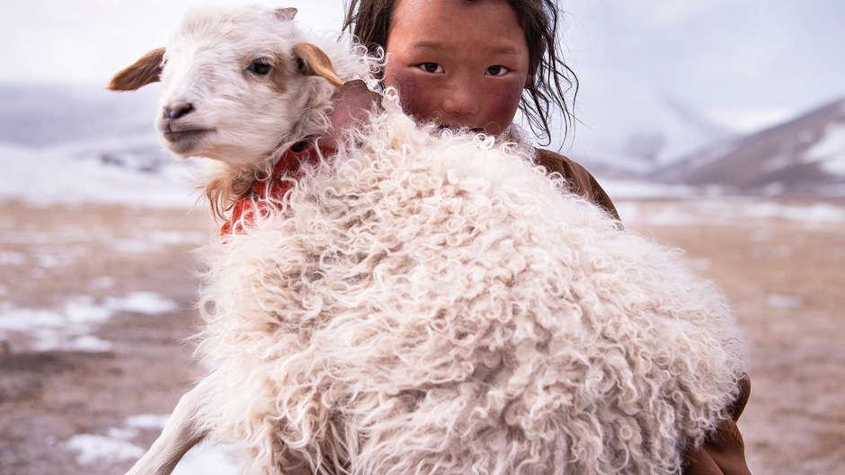 Survival International eröffnet ihren renommierten jährlichen Fotowettbewerb, an dem Amateur- und auch Profifotografierende aus aller Welt teilnehmen können.