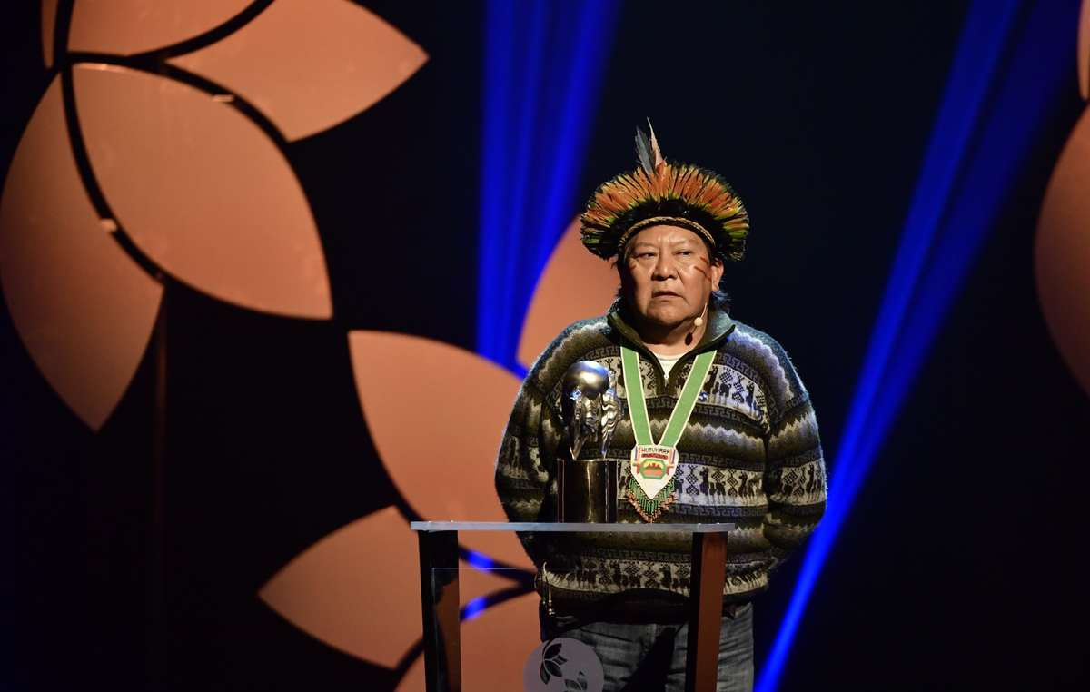 Davi Yanomami speaking at the award ceremony