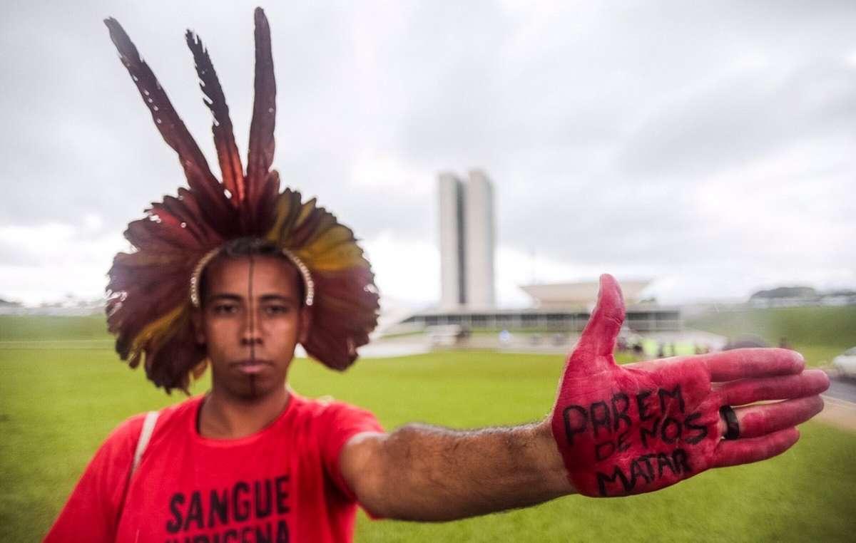 Indígenas protestan contra el proyecto de explotación de sus tierras