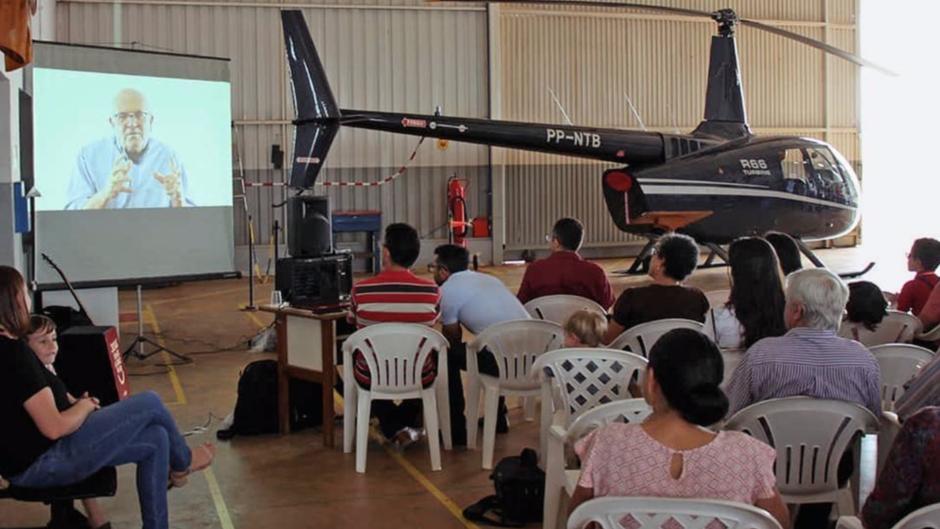 La NTM annonce qu'ils vont bientôt commencer à utiliser un hélicoptère pour convertir des peuples auparavant inaccessibles.